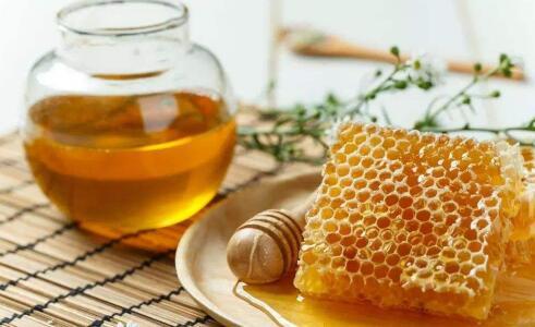 一般蜂蜜结晶了还能不能吃要怎么做?