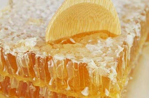 常见的蜂巢蜜多少钱一斤?
